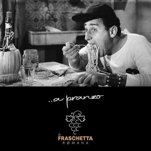 MAGNAMO DE PIÙ A PRANZO! 𝐋𝐚 𝐟𝐫𝐚𝐬𝐜𝐡𝐞𝐭𝐭𝐚 𝐑𝐨𝐦𝐚𝐧𝐚 𝐧𝐨𝐧 𝐦𝐨𝐥𝐥𝐚 conferma il menu di lavoro dal lunedì al venerdì da 12,00 euro ( 1 piatto a scelta + 1 contorno a scelta + acqua e caffè). Per il pranzo di Sabato e della Domenica menù da 25,00 euro(2 𝑝𝑖𝑎𝑡𝑡𝑖 𝑎 𝑠𝑐𝑒𝑙𝑡𝑎, 1 𝑐𝑜𝑛𝑡𝑜𝑟𝑛𝑜 𝑎 𝑠𝑐𝑒𝑙𝑡𝑎, 1 𝑑𝑜𝑙𝑐𝑒 𝑎𝑐𝑞𝑢𝑎 𝑒 𝑐𝑎𝑓𝑓𝑒̀).  #fraschettaromana #sarzana #laspezia #pranzo